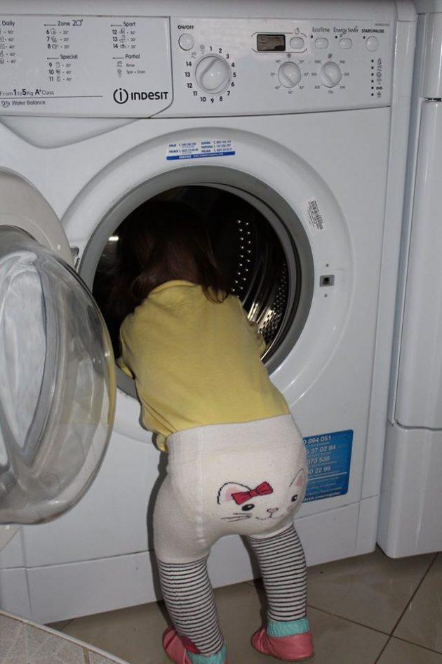 Mama mi povedala, že sa jej po praní niekde zapotrošila jedna z mojich ponožiek :-)