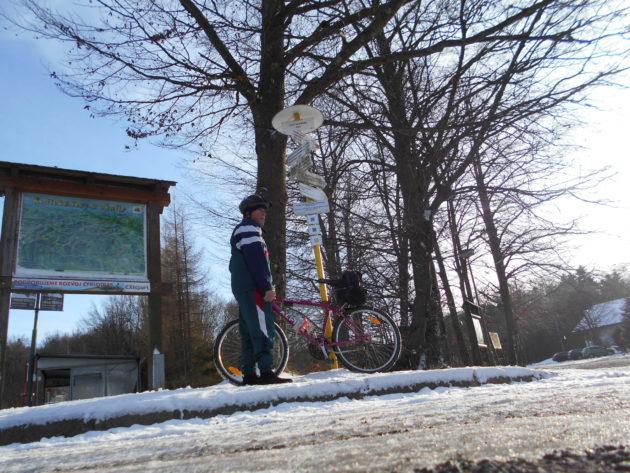 Tu v nadmorskej výške cca 530 metrov už lyžiari mohli ľutovať, že sa sem nevybrali s lyžami...