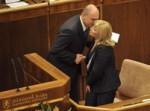 10834875-schodza-parlamentu