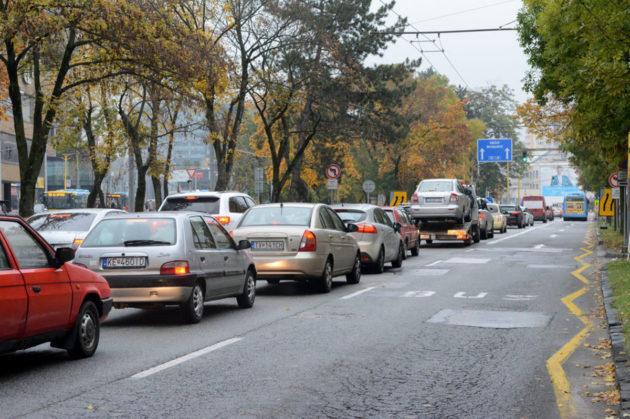 Kolóny zo Štúrovej ulice konečne zmiznú.(Zdroj: Judita Čermáková)