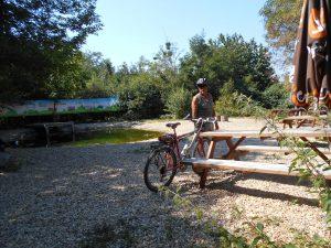 KVP - umelé jazierko v blízkosti kláštora a reštaurácie Zlatá podkova