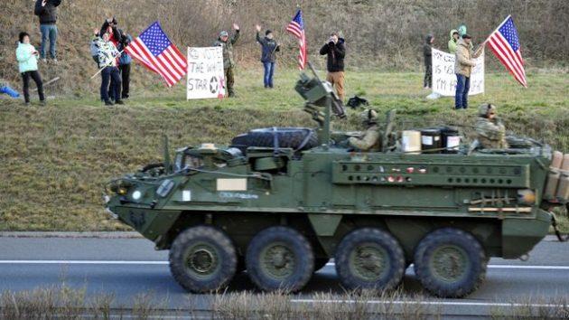 Aj takýmto spôsobom vítali českí aktivisti amerických vojakov